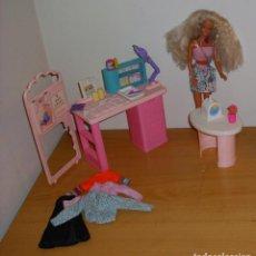 Barbie y Ken: LOTE BARBIE ANTIGUA CLÍNICA PEDIATRA CON MUÑECA ROPA Y ACCESORIOS AÑOS 90 MATTEL. Lote 187523727
