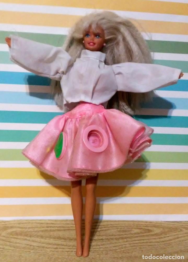 BARBIE 1975-1966 CON FALDA CAN CAN Y BLUSA (Juguetes - Muñeca Extranjera Moderna - Barbie y Ken)