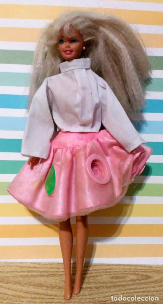 Barbie y Ken: Barbie 1975-1966 con falda can can y blusa - Foto 2 - 190391072