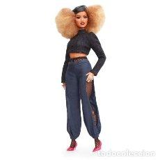 Barbie y Ken: MUÑECA BARBIE MATTEL SIGNATURE MARNI SENOFONTE ARTICULDA AFRO MULATA NEGRITA CURVY NUEVA 2018. Lote 235839750