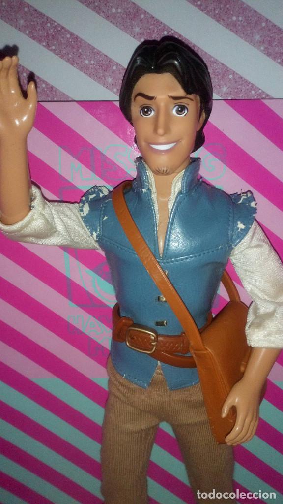 Barbie y Ken: BONITO MUÑECO FLYNN RIDER, NOVIO DE RAPUNZEL, DE LA PELICULA ENREDADOS DE DISNEY - MATTEL - 2010 - Foto 2 - 191843025