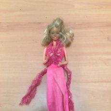 Barbie y Ken: ANTIGUA BARBIE. Lote 195235853