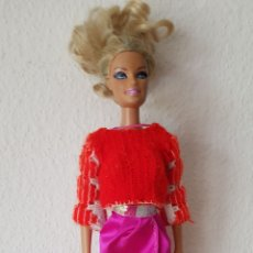 Barbie y Ken: LINDA BARBIE ARTICULADA DE 2010 MADE IN INDONESIA, CON SU ROPA ORIGINAL. Lote 195250835