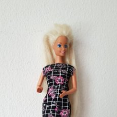 Barbie y Ken: MAGNIFICA BARBIE DE 1976, ARTICULADA Y CON SU ROPA ORIGINAL, SELLADA MADE IN CHINA. Lote 195363932