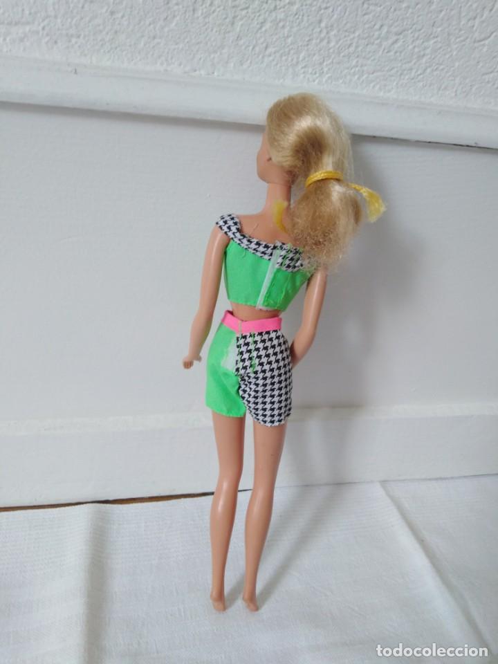 Barbie y Ken: Muñeca barbie mattel malasya años 1966 - Foto 3 - 195904016
