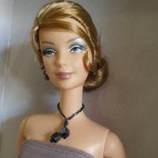 Barbie e Ken: BARBIE GIORGIO ARMANI COLECCIÓN EDICIÓN LIMITADA. Lote 199215577