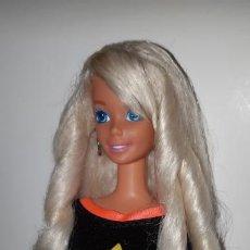 Barbie y Ken: MUÑECA BARBIE PEINADOS Y BRILLOS GLITTER HAIR DE MATTEL AÑOS 90. Lote 199235910