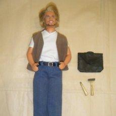 Barbie y Ken: KEN CON BARBA Y ACCESORIOS DE AFEITADO. DE MATTEL. Lote 204748968