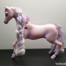 Barbie y Ken: CABALLO ALADO DE BARBIE. LE FALTAN LAS ALAS. SE LE ILUMINA LA CORONA (ENVÍO 4,31€). Lote 205874141