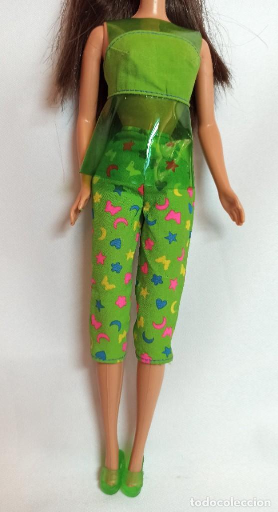 Barbie y Ken: Muñeca coleccion Nº55 Barbie Sit In Style Christie Teresa verde - Foto 2 - 207236327