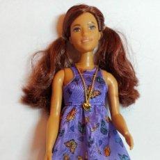 Barbie e Ken: MUÑECA COLECCION Nº68 BARBIE FASHIONISTA CURVY 66 VESTIDO MARIPOSA. Lote 207237773