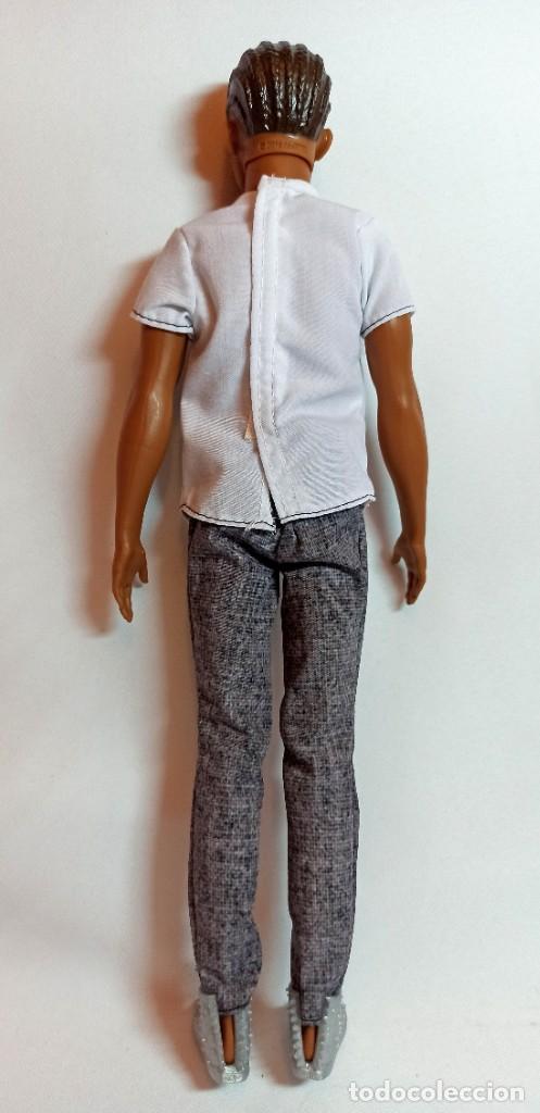 Barbie y Ken: Muñeca coleccion Nº99 Ken Fashionista classic cool - Foto 3 - 207878293