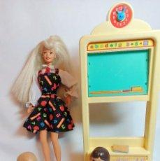 Barbie y Ken: MUÑECA COLECCION Nº204 BARBIE TEACHER Y TODO EL CONJUNTO.. Lote 209156315