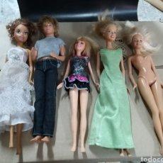 Barbie y Ken: LOTE DE 5 BARBIES. Lote 209945896