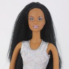 Barbie y Ken: BARBIE AA DANCE N FLEX CHRISTIE / CUERPO FLEXIBLE CON TOP Y PANTALONES ORIGINALES - MATTEL, 2002. Lote 211488845
