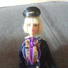 Barbie y Ken: BARBIE PILOTO DE AVIÓN AZAFATA. Lote 211678421