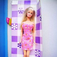Barbie y Ken: BARBIE RUBIA MATTEL 2003 MUÑECA NUEVA EN PARTE DE LA CAJA SIN USAR. Lote 212364680