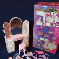 Barbie y Ken: MUEBLES Y COMPLEMENTOS REF:11421 2 IN 1 BARBIE EN CAJA. Lote 212797911