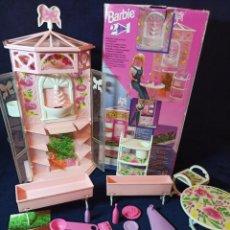 Barbie y Ken: MUEBLES Y COMPLEMENTOS REF:13183 2 IN 1 BARBIE EN CAJA. Lote 212798525