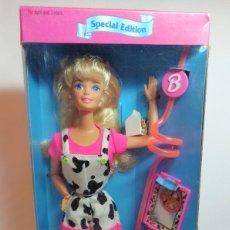 Barbie y Ken: MUÑECA BARBIE Nº374 BARBIE GOT MILK EDICION ESPECIAL,NUEVA EN CAJA. Lote 214217812