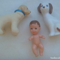 Barbie y Ken: LOTE DE 3 FIGURAS DE BARBIE : BEBE Y 2 PERROS. Lote 215899701