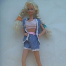 Barbie y Ken: FIGURA DE BARBIE . DETRAS PONE MATTEL INC 1966 CHINA. Lote 215901566