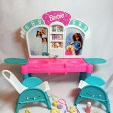 Barbie y Ken: PELUQUERIA DE MUÑECA BARBIE CUT 'N STYLE ANTIGUA.. Lote 216615093