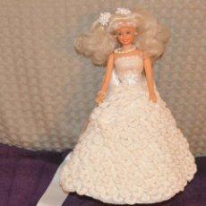 Barbie y Ken: BARBIE NOVIA - BARBIE WEDDING - TODOS LOS COMPLEMENTOS TELA - COLA DE PAPEL - PULSERA - VELO. Lote 217017486