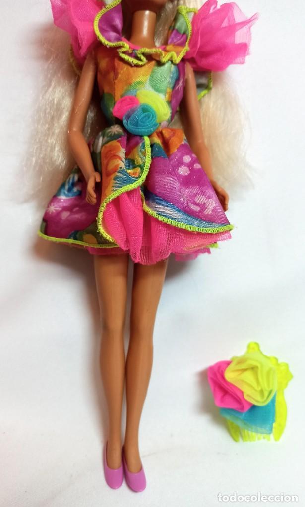 Barbie y Ken: Muñeca Coleccion Nº515 Barbie SINDY de Hasbro luz y color - Foto 3 - 218738041