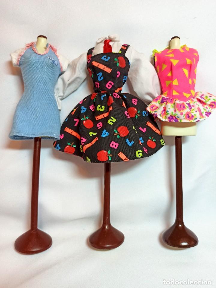 VESTIDOS COLECCION Nº31 TRES VESTIDOS ORIGINALES DE BARBIE (Juguetes - Muñeca Extranjera Moderna - Barbie y Ken)
