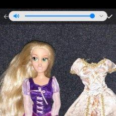 Barbie y Ken: MUÑECA PRINCESA RAPUNZEL DISNEY ESTORE. Lote 221621983