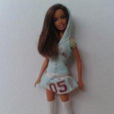 Barbie y Ken: BARBIE TERESA CON VESTIDO GENUINE DE MATTEL. Lote 221835145