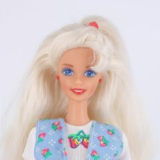 Barbie y Ken: BARBIE SHOPPING FUN CON PENDIENTES Y ROPA ORIGINAL - MATTEL, 1995. Lote 221958695