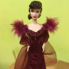 """Barbie y Ken: BARBIE ESCARLATA O´HARA EN """"LO QUE EL VIENTO SE LLEVÓ"""" 75 ANIVERSARIO (1939-2013). Lote 221975263"""