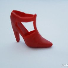 Barbie y Ken: ZAPATO ROJO DESPAREJADO BARBIE. Lote 222249811