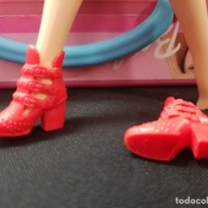 Barbie et Ken: ZAPATOS BOTINES BARBIE FASHIONISTA. Lote 254481455