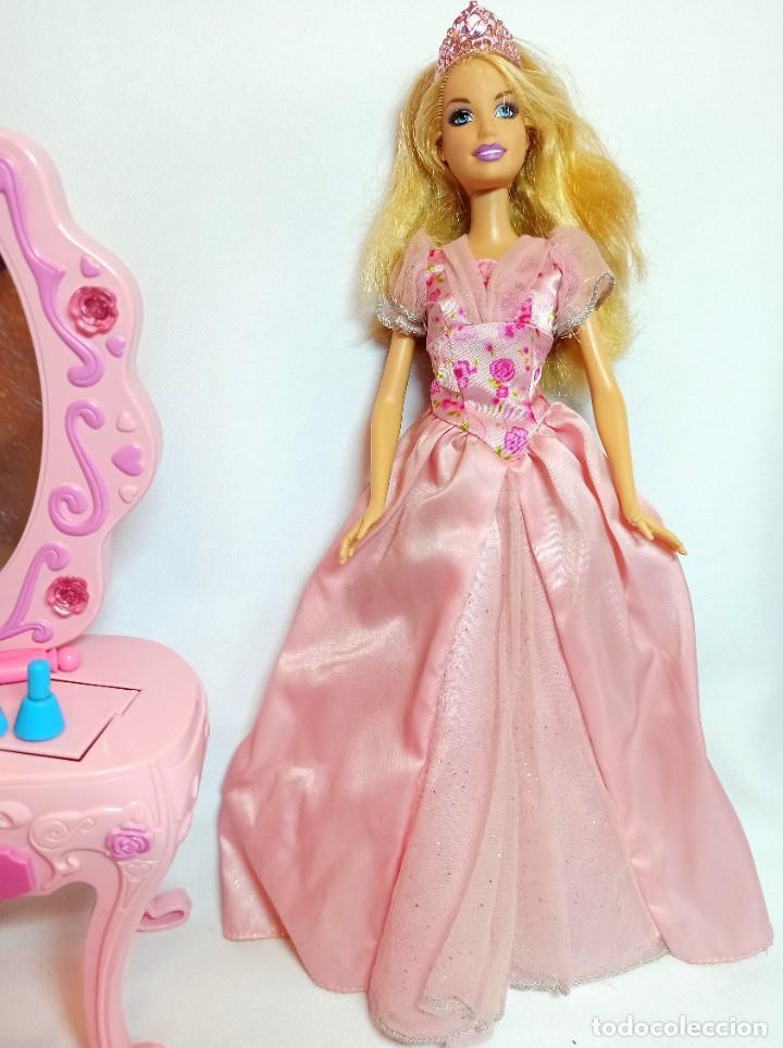 Barbie y Ken: Muñeca coleccion Nº696 Barbie Cinderella Maxi Vanity con tocador - Foto 3 - 233359855