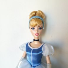 Barbie y Ken: MUÑECA CENICIENTA DISNEY CINDERELLA 2013 CLASSIC COLLECTION BARBIE. Lote 235809675