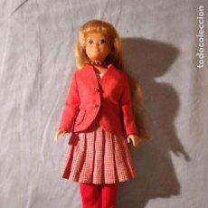 Barbie y Ken: ANTIGUA MUÑECA SKIPPER CONJUNTO COLEGIO. 1R MODELO. 1963.. Lote 235851745