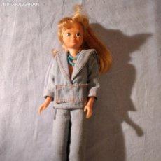 Barbie y Ken: ANTIGUA MUÑECA SKIPPER . CONJUNTO JEANS . 1R MODELO. 1963.. Lote 235851885
