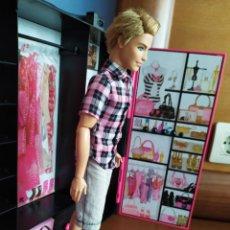 Barbie y Ken: KEN CUTIE FASHIONISTA SWAPPIN STYLES WAVE 1. Lote 237782375