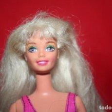 Barbie e Ken: MUÑECA BARBIE 1976. Lote 239661505