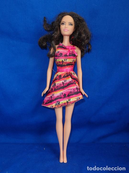 Barbie y Ken: BARBIE - BONITA BARBIE AÑO 2010 MADE IN INDONESIA VER FOTOS! SM - Foto 7 - 240467565