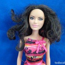 Barbie y Ken: BARBIE - BONITA BARBIE AÑO 2010 MADE IN INDONESIA VER FOTOS! SM. Lote 240467565