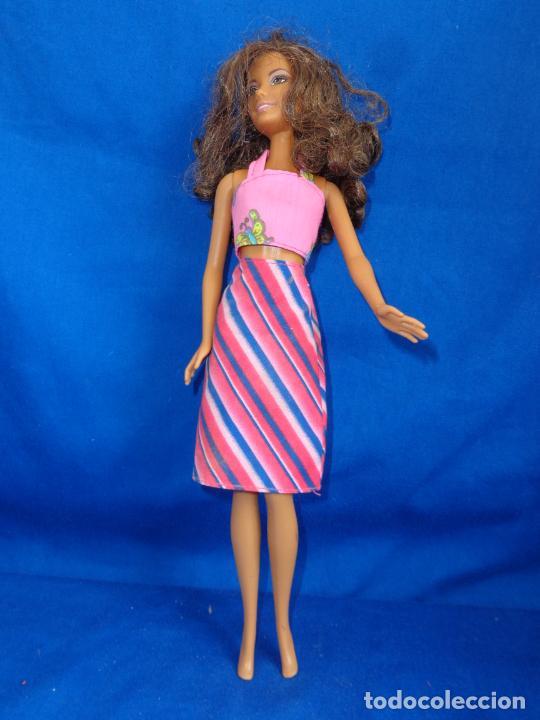 Barbie y Ken: BARBIE - BONITA BARBIE NEGRITA AÑO 2003, MADE IN CHINA VER FOTOS! SM - Foto 2 - 240468170