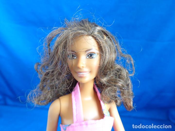 BARBIE - BONITA BARBIE NEGRITA AÑO 2003, MADE IN CHINA VER FOTOS! SM (Juguetes - Muñeca Extranjera Moderna - Barbie y Ken)