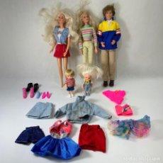 Barbie y Ken: LOTE 2 BARBIES + KEN + 2 NIÑOS - ROPA DE BARBIE - AÑOS 1965 - 1966 -1995 -1998. Lote 242137590