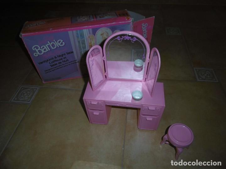 Barbie y Ken: Barbie tocador y mesita de noche - Foto 2 - 244749860