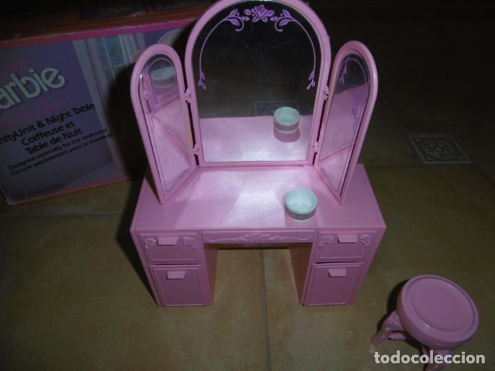 Barbie y Ken: Barbie tocador y mesita de noche - Foto 3 - 244749860