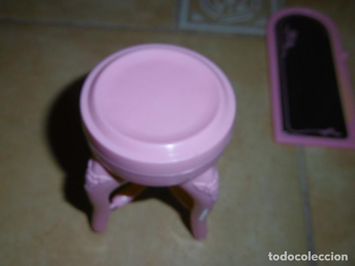 Barbie y Ken: Barbie tocador y mesita de noche - Foto 9 - 244749860